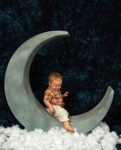 ребенок и луна